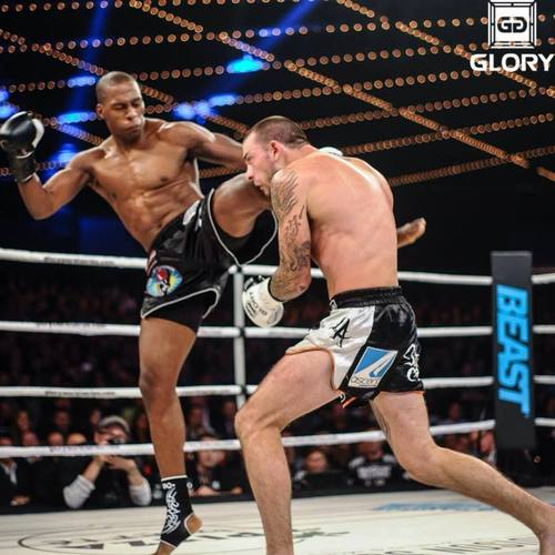 Wayne Barrett vs. Joe Schilling at Glory World Series in NYC