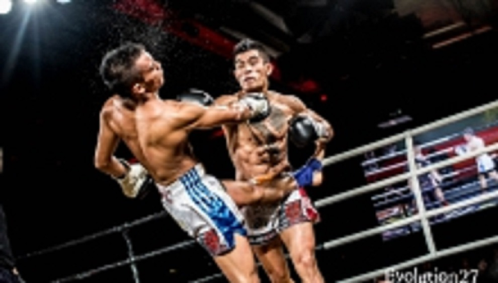 "Yeang Fei ""Ferrari"" (Malaysia) on the right vs. Natthaphon Chaowalit (Thailand)"